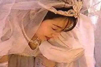 Azumi Kawashima in a wedding gown