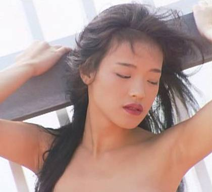 Chinese Hsu Chi looking down upon her nudity