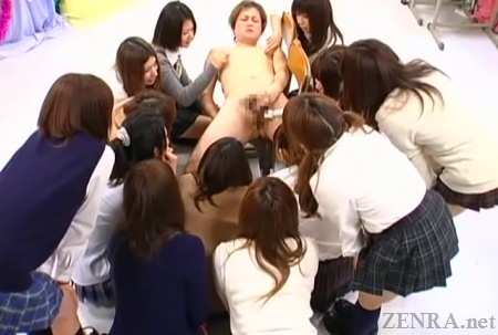 Group of Japanese schoolgirls swarm over CFNM masturbating customer