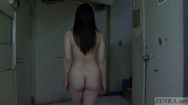 Japanese nudist in hospital from behind