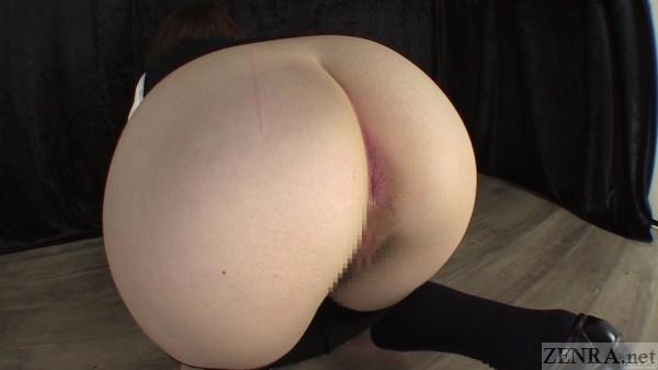 Big butt Japanese schoolgirl passes gas