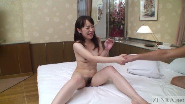 Naked Japanese woman shakes AV actors hand