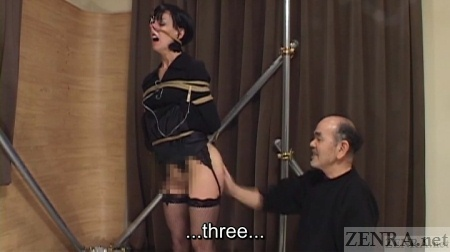 Elise Graves spanked in Japan