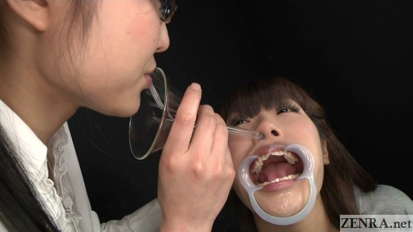 Funnel of saliva into the nose