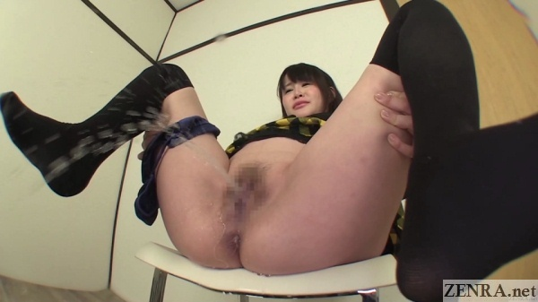 Farting and urinating Japanese amateur