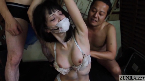 Medical mask Slit mouthed woman stripped