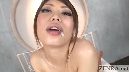 Hino Hikari gokkun in action