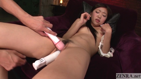 Double dildo orgasm play in Japan