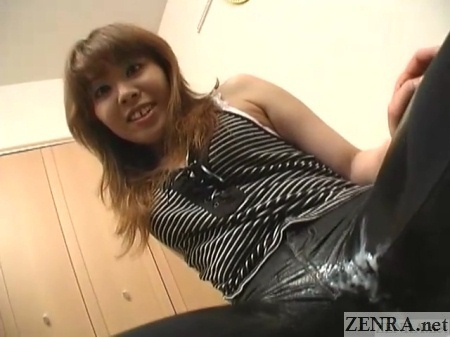 Japan amateur in jeans crotch covered in cum