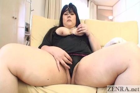 Fat Japanese woman masturbates plus nose hooks