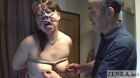 topless voluptuous japanese woman bound