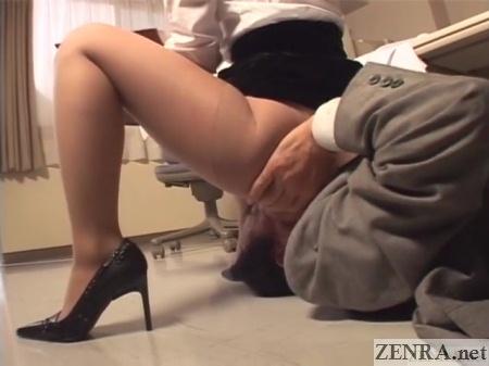 high heels pantyhose facesitting in japan