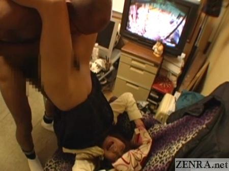 upside down japanese schoolgirl eaten out