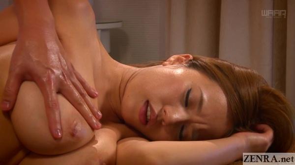 aroused ruri saijou breast massage