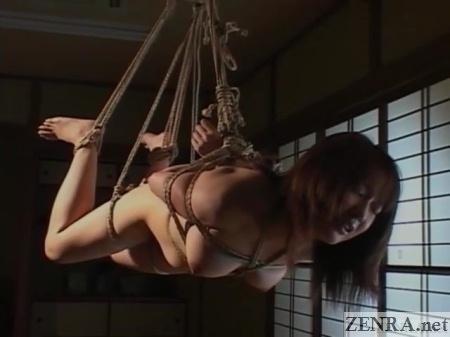 japanese rope binding suspension naked woman