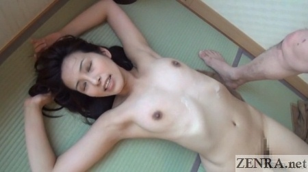 japanese woman supine for cumshot