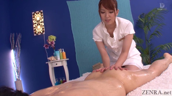 cfnm yui hatano gives butt oil massage