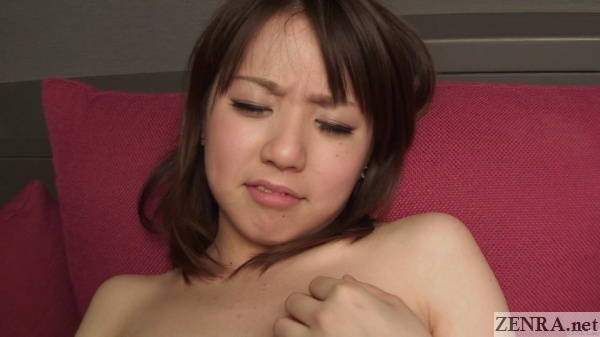 zoomed in orgasm face of pretty japanese amateur