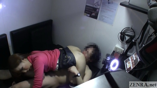 japanese couple sixtynine in internet cafe