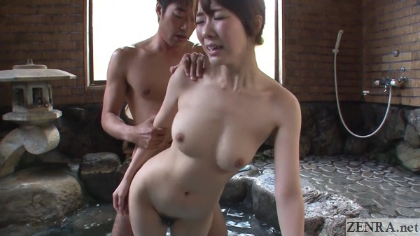 standing sex in onsen with hitomi oki