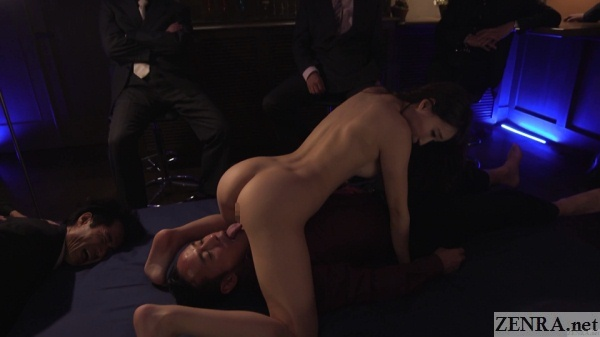 cmnf facesitting cuckold sex with audience