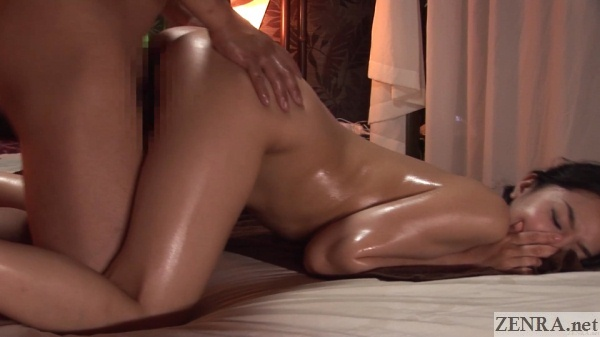 sex between masseur and oiled up client