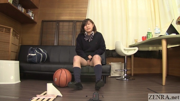 japan schoolgirl holds in pee