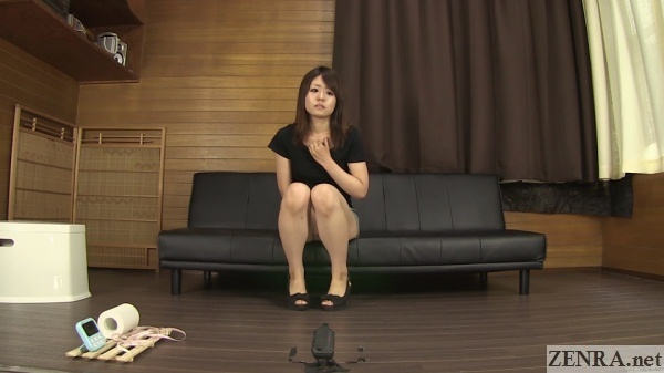 japanese amateur holds in pee to the limit