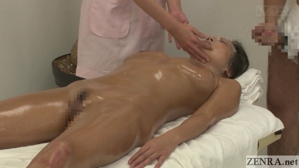 bukkake clinic for massage and facial in japan