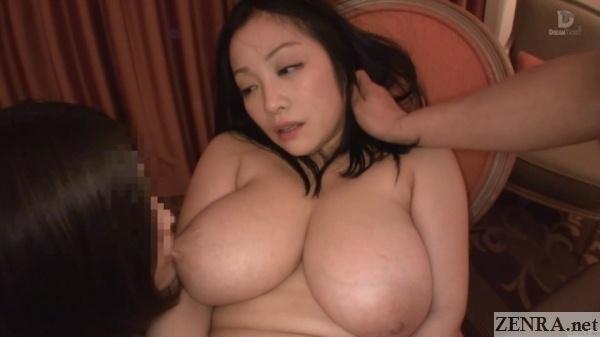 minako komukai nipple licked by nao masaki