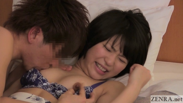 japanese amateur nipples licked