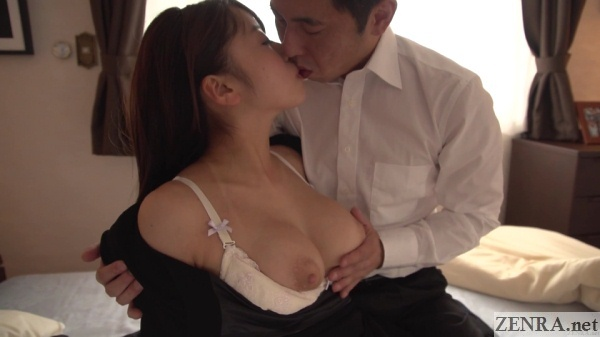 half topless deep kissing saki hatsumi