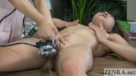 cfnf japanese customer masturbates during massage