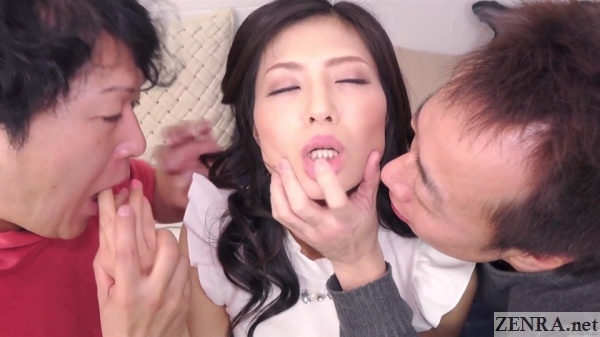 licking jav threesome