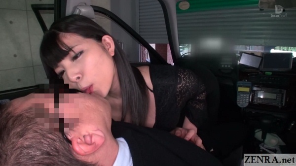 kissing in jav taxi cab