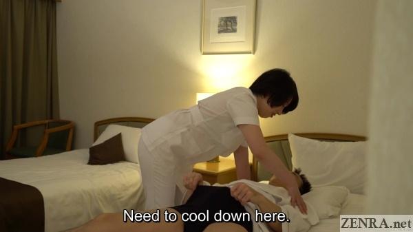 client flashes mature masseuse his erection