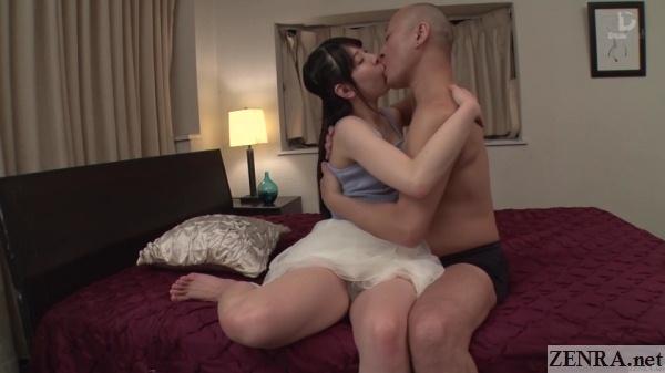deep kissing rena aoi