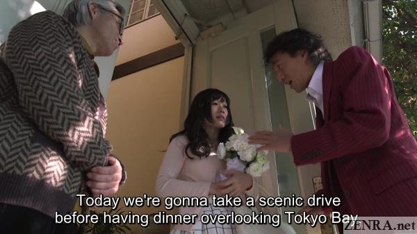 jav star hibiki otsuki holding flowers